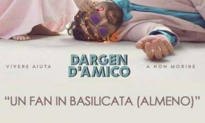 "Dargen D' amico Regala ""Un Fan in Basilicata (Almeno)"""